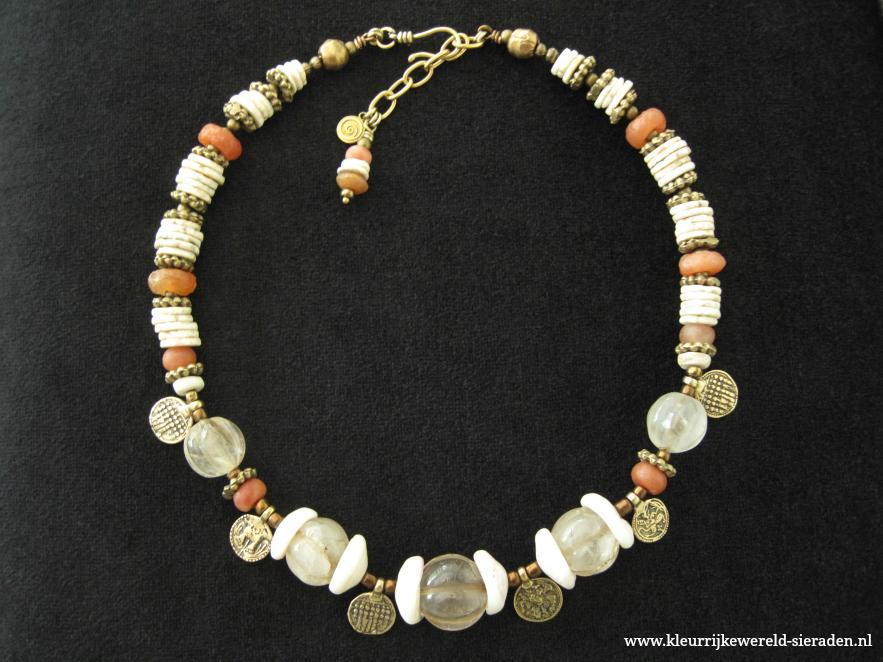 nw-11-m-oude-himalaya-kwarts-neolithische-kwarts-schelp-struisvogelei-883x662