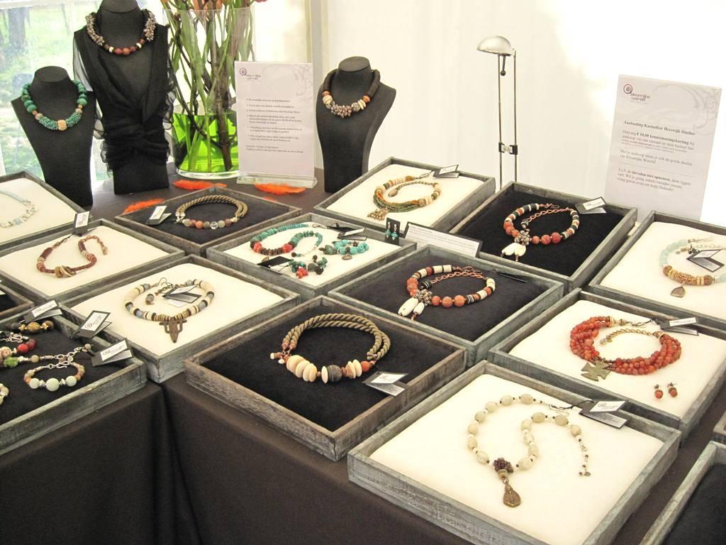 Kleurrijke Wereld Sieraden - Fairs en Exposities
