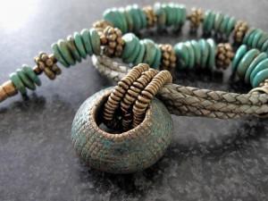 Turkoois met Bronzen Ring en leer - Kleurrijke Wereld Sieraden