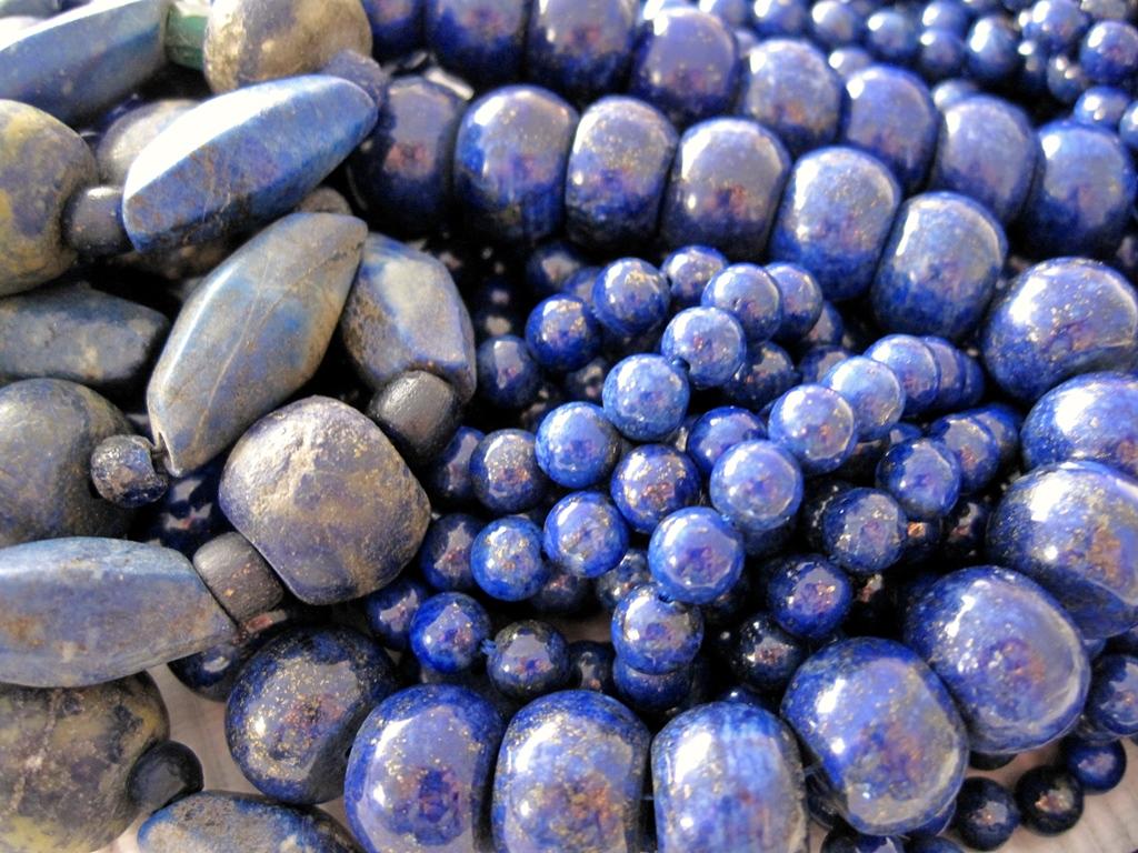 Lapis Lazuli - 2000 jaar oud en modern - Kleurrijke Wereld Sieraden